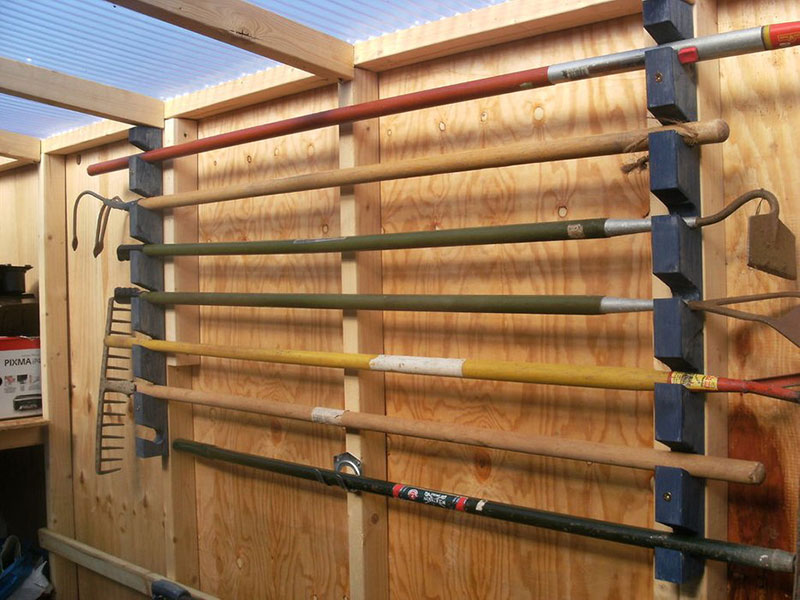 garden tool storage shed organization
